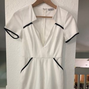 🖤 White Dress w/ Faux Leather Pipping & Pockets